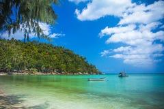 在酸值Phangan -自然背景的热带海滩 图库摄影