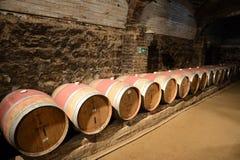 在酿酒厂圣丽塔的葡萄酒桶 免版税库存照片