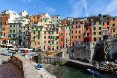 在里奥马焦雷镇建筑学的看法  里奥马焦雷是一个最普遍的镇在五乡地国家公园,意大利 免版税库存照片