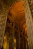 在里斯本大教堂里面的看法:gotic修道院 免版税库存照片