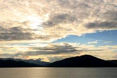 在里面段落的日落,阿拉斯加,美国 免版税库存图片
