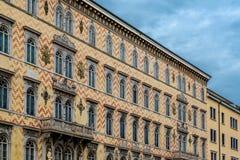 在重创的运河的里雅斯特,意大利的大厦 免版税图库摄影