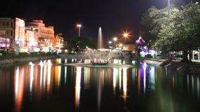 在重新创建公园的喷泉在Suranaree雕象附近 免版税库存图片