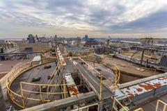 在重的工业区的鸟瞰图 免版税图库摄影