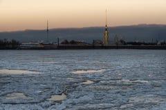 在野兔海岛圣彼德堡上的彼得和保罗堡垒 免版税库存图片
