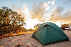 在野营的帐篷Canyonlands国家公园在犹他,美国 图库摄影
