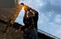 在金属切削期间, Muliple发火花 免版税库存图片