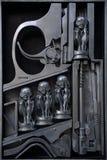 在金属的HR Giger雕塑 库存图片