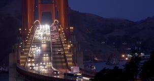 在金门大桥的交通早晨 股票录像