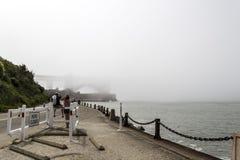 在金门大桥,旧金山,美国的薄雾 免版税库存图片