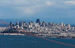 在金门桥和旧金山的看法 库存图片