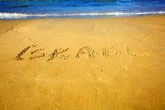 在金黄沙子海滩的题字以色列埃拉特 库存图片