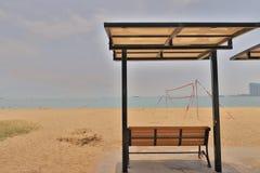 在金黄海滩的晴天在屯门 库存图片