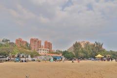 在金黄海滩的晴天在屯门 图库摄影