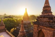在金黄小时, Bagan寺庙 库存图片