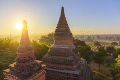 在金黄小时, Bagan寺庙 图库摄影