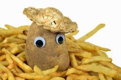 在金黄炸薯条的土豆 库存图片