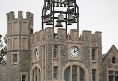 在钟塔的响铃 库存图片