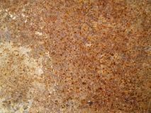在钢储水箱的生锈的污点在背景 browne 生锈我 图库摄影