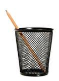在铁丝网铅笔持有人的一支铅笔 免版税库存照片