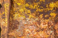 在铁表面纹理背景的切削的油漆 免版税库存图片