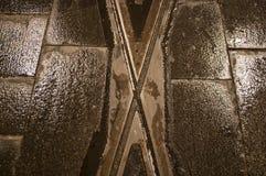 在铁路的十字架 库存图片