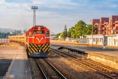 在铁路的火车在台湾 免版税图库摄影