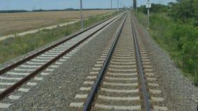 在铁路的连续火车 股票录像