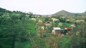 在铁路线旁边的一个小村庄 影视素材
