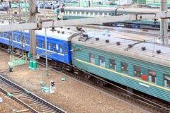 在铁路运输移动的培训 库存照片