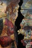 在铁锈报道的破裂的铁盘区绘画 免版税库存照片