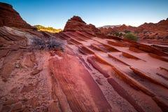 在银朱的峭壁亚利桑那的土狼小山 库存照片