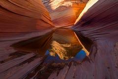 在银朱的峭壁亚利桑那的土狼小山 免版税库存图片