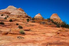 在银朱的峭壁亚利桑那的土狼小山 免版税库存照片