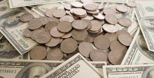 在银行美元、投资和企业想法背景的硬币  库存照片