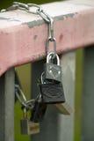 在链子的挂锁 图库摄影