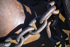 在链接的老锚链链接 库存照片