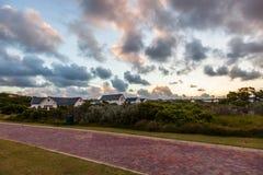 在链接高尔夫球场庄园的日落在圣法兰西斯 免版税图库摄影