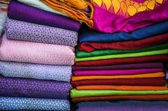 在销售中的纺织品 免版税图库摄影