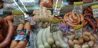 在销售中的肉纤巧在市场上 库存图片