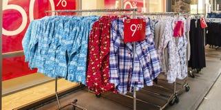 在销售中的衣物 库存图片