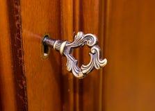 在锁的古老钥匙 免版税库存照片
