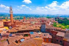 在锡耶纳,意大利老镇的鸟瞰图  库存图片