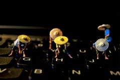在键盘的一些smal famer 库存照片