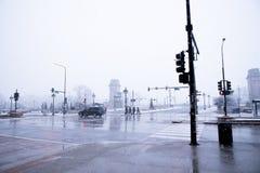 在镇在12月,芝加哥伊利诺伊下雪 免版税库存图片