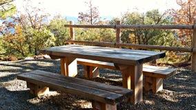 在镇的外部的野餐区 免版税库存图片