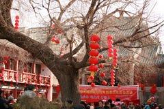 在镇God& x27里参观寺庙市场; s寺庙,郑州 免版税图库摄影