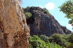 在镇Malorechensk附近的克里米亚半岛山克里米亚半岛半岛的南部的 乌克兰 瀑布和wildl风景  免版税库存图片