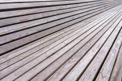 在长凳的木板条在公园 免版税图库摄影