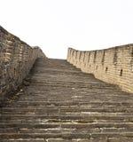 在长城的大和陡峭的楼梯 图库摄影